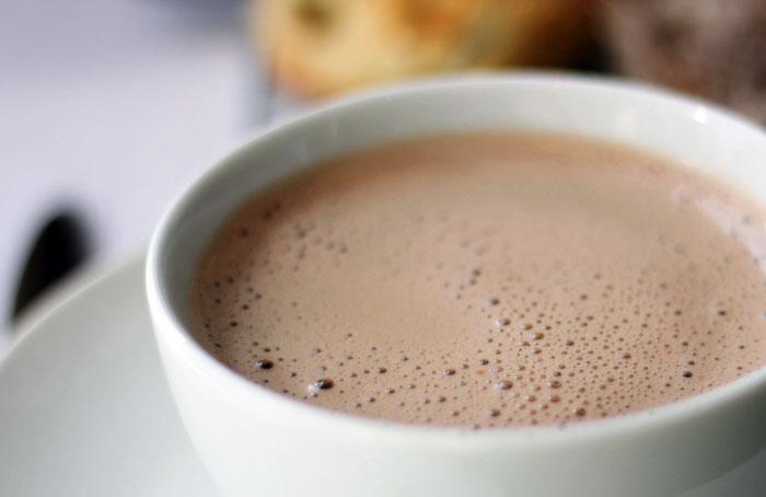 Namuose ruoštas karštas šokoladas