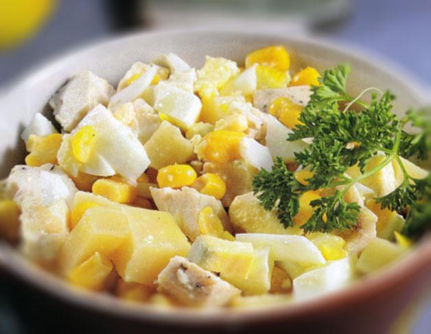 Salotos su sūriu ir vištiena