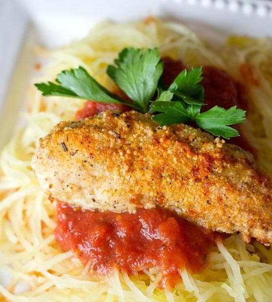 Skrudintos vištienos krūtinėlės juostelės su spagečiais