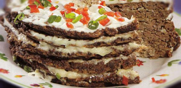 Česnakinis kepenėlių tortas